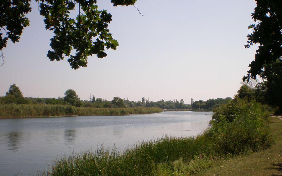озеро по дороге к центру