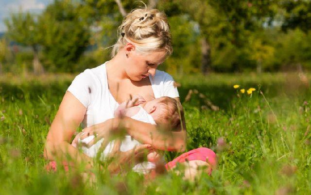 Режим дня грудного ребенка
